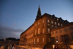 Het Christiansborg Deense parlement die Kopenhagen Denemarken bouwen royalty-vrije stock foto