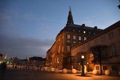 Het Christiansborg Deense parlement die Kopenhagen Denemarken bouwen royalty-vrije stock foto's