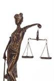 Het cijfer van Justitia met schalen. Wet en Rechtvaardigheid. Stock Foto's