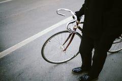 Het cirkelen in stad stock fotografie