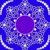 Het cirkelpatroon met bloemen maakte †‹â€ ‹van parels en plaatst voor Stock Afbeelding