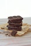 Het close-up van chocoladekoekjes op een lijst, rustieke stijl Royalty-vrije Stock Foto's