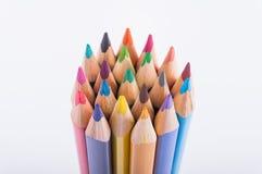Het close-up van kleurenpotloden royalty-vrije stock afbeelding