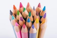 Het close-up van kleurenpotloden royalty-vrije stock afbeeldingen
