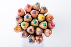 Het close-up van kleurenpotloden stock foto