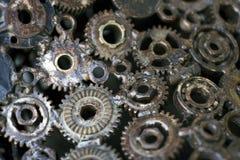 Het close-up van twee staaltoestellen verbond concept voor liefde, familie, groepswerk en vennootschap stock foto