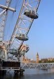 Het close-updetail van het Oog van Londen, Theems & bedelt Ben in Vroege Ochtend Stock Foto's