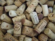 Het close-upschot van Stapel van Wijn kurkt stock foto's