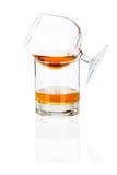 Het cognacglas van de cognac op wit Stock Foto