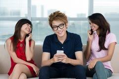 Het communiceren trio Royalty-vrije Stock Afbeeldingen