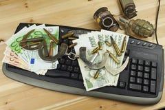 Het concept cybercrime Criminele activiteit door computers en Internet wordt uitgevoerd dat Stock Fotografie