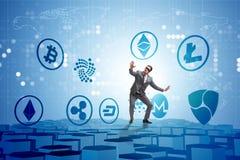 Het concept diverse cryptocurrencies en zakenman vector illustratie