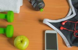 Het concept een gezonde levensstijl Apple, domoor, fles, handdoek, t-shirt Stock Afbeelding