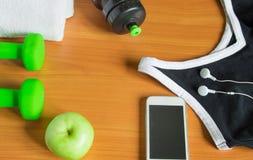 Het concept een gezonde levensstijl Apple, domoor, fles, handdoek, t-shirt Stock Fotografie