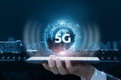 Het concept 5G-netwerk en nieuwe generatienetwerken royalty-vrije stock foto