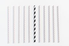 Het concept multi-colored stro voor het drinken op witte achtergrond vector illustratie