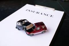 Het concept van de autoverzekering met polis Royalty-vrije Stock Foto