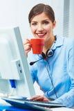 Het concept van de bedrijfsvrouwentijd uit, rode koffiekop Breek het werk Stock Fotografie