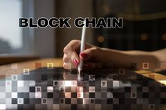 Het concept van de Blockchaintechnologie Internet-geldoverdracht Cryptocurrency Stock Afbeeldingen