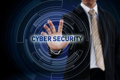 Het concept van de Cyberveiligheid en Zakenmanhand royalty-vrije stock afbeeldingen