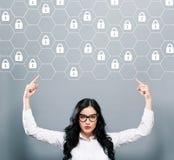 Het concept van de Cyberveiligheid met het bedrijfsvrouw naar omhoog richten Royalty-vrije Stock Fotografie