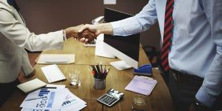 Het Concept van de de Groetovereenkomst van de bedrijfsmensenhanddruk Stock Foto's