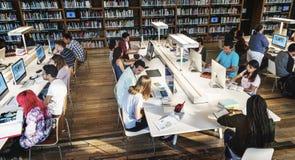 Het Concept van de de Informatieintelligentie van de bibliotheekkennis stock afbeeldingen