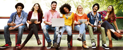 Het Concept van de de Vriendschapstechnologie van de jeugdvrienden samen royalty-vrije stock foto
