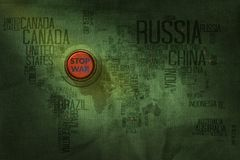 Het Concept van de eindeoorlog, Knoop op de Militaire Stof Te te duwen van de Wereldkaart Stock Foto