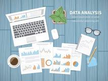 Het Concept van de gegevensanalyse Financiële Controle, SEO-analytics, strategische statistieken, rapport, beheer Grafiekengrafie Royalty-vrije Stock Foto's