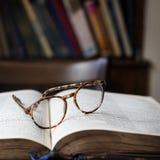 Het Concept van de het Boekbibliotheek van de onderwijslezing Royalty-vrije Stock Afbeeldingen