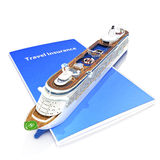 Het concept van de reisverzekering met cruiseschip Stock Foto's
