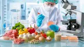 Het concept van de voedselkwaliteitcontrole stock foto