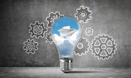 Het concept van Ecoinnovaties door middel van lightbulb Stock Foto