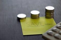 Het concept van het besparingsgeld nu Royalty-vrije Stock Fotografie