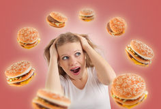 Het concept van het dieet. de jonge vrouw is onder spanning Stock Afbeeldingen