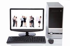 Het concept van het groepswerk in computer lcd Stock Foto's