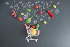 Het concept van het kruidenierswinkelboodschappenwagentje Royalty-vrije Stock Afbeeldingen