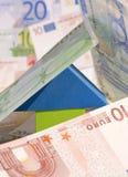 Het concept van onroerende goederen Met Euro bankbiljetten Stock Foto