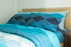 Het concept van het slaapkamerbinnenland Moderne slaapkamerstijl thuis royalty-vrije stock foto's