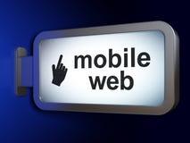 Het concept van het Webontwerp: Mobiele Web en Muiscurseur op aanplakbordachtergrond Stock Fotografie