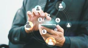 Het conceptensymbool van het cirkel sociaal netwerk met zakenman op achtergrond Royalty-vrije Stock Foto's