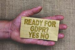 Het conceptuele hand het schrijven tonen Klaar voor Gdpr-vraag ja Nr De Algemene Gegevensbescherming Regula van de bedrijfsfoto d royalty-vrije stock afbeelding