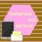 Het conceptuele hand het schrijven tonen u is Wat u u bent eet van Wat u houdt Het Begin van de bedrijfsfototekst om gezond voeds stock illustratie