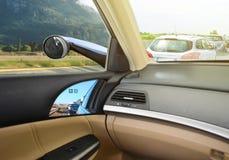 Het conceptuele ontwerp van Virtuele Zijspiegels, gebruikt Kleine camera's in plaats van Aërodynamische Spiegels, royalty-vrije stock foto