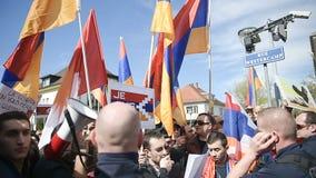 Het conflictprotest van Azerbeidzjan Armenië stock footage
