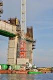 Het construeren van de brug Stock Afbeeldingen