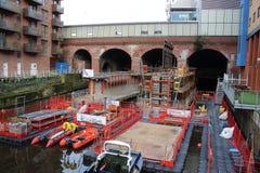 Het construeren van Nieuwe het spoorpost van Leeds van de Zuideningang Royalty-vrije Stock Afbeeldingen