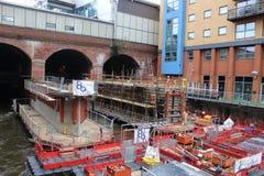 Het construeren van Nieuwe het spoorpost van Leeds van de Zuideningang Stock Fotografie