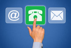 Het contactknoop van de persoons dringende telefoon Stock Fotografie